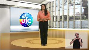 Reprodução do programa UFCTV com janela de Libras