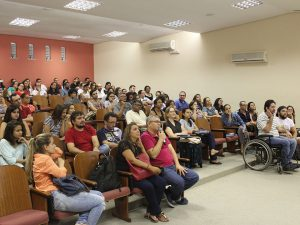 Público contempla trabalhos na VI Semana de Inclusão e Acessibilidade